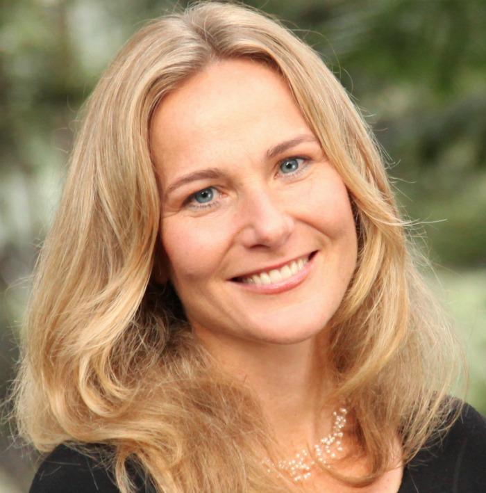 Dr Leila Masson