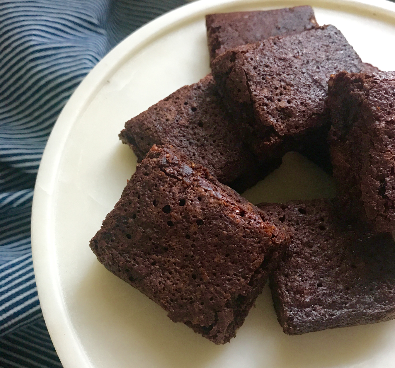 Mum's famous gluten free brownies | Low Tox Life